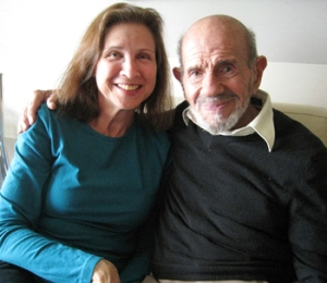 Jacque Fresco (derecha) y Roxanne Meadows (izquierda), autores del Proyecto Venus.